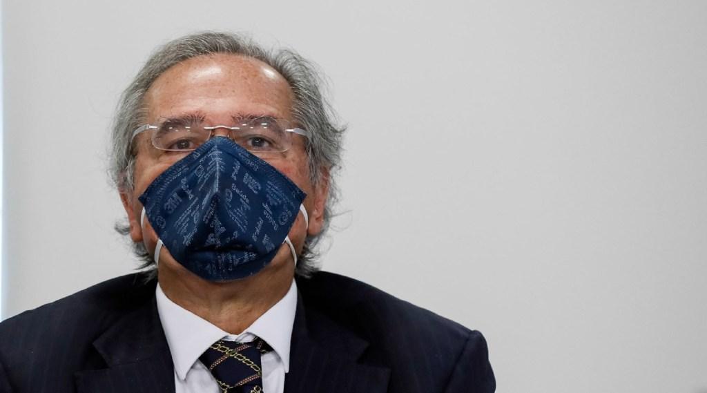 Auxílio emergencial só será prorrogado em caso de nova variante, afirma Guedes