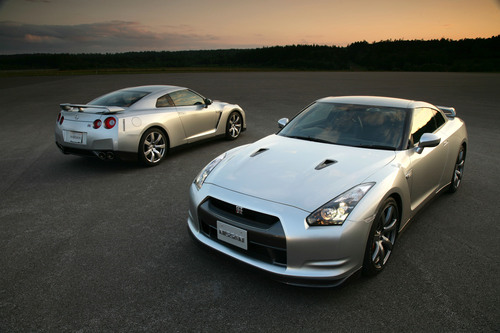 2009-nissan-gt-r-motor-trend-car-of-the-year