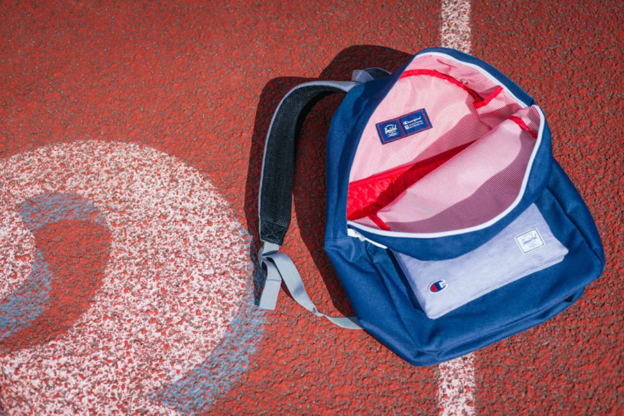 49c0808918d Champion x Herschel Supply Co. 2014 Capsule Collection - Por Homme ...