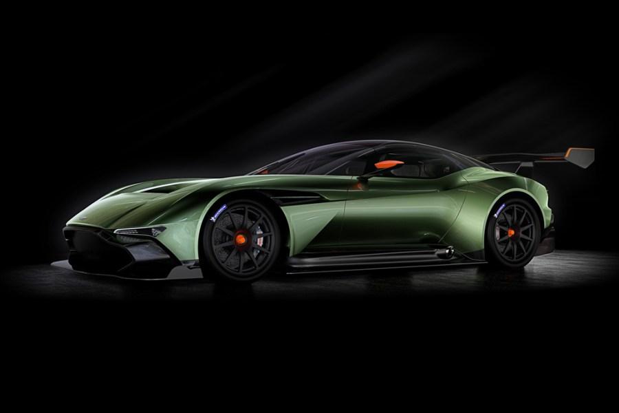 aston-martin-vulcan-track-supercar-geneva-2015-1