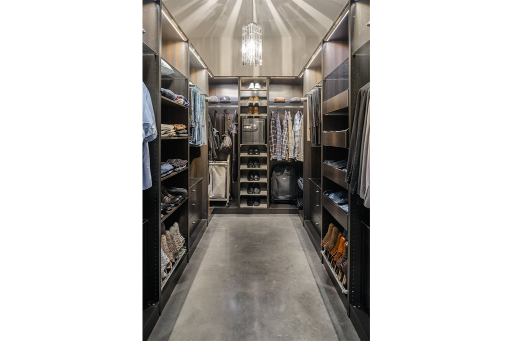 Amazing Modern Walk In Closet Awesome Walk In Closet Designs For Men Por Homme Contemporary