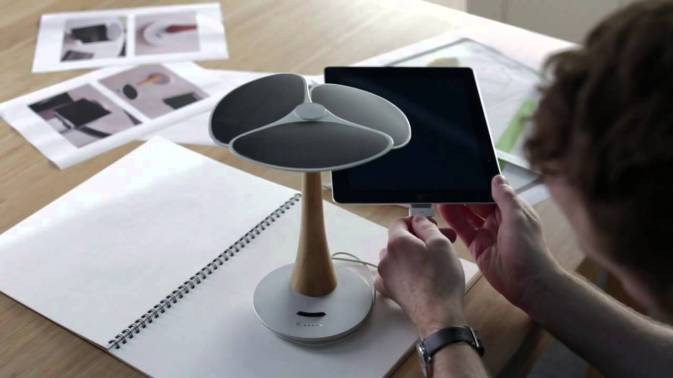 Ginkgo Solar Tree Charger 2