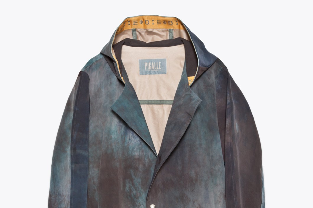 Très-Bien-Dye-Parka-Dark-Grey-Jacket-by-Pigalle-1