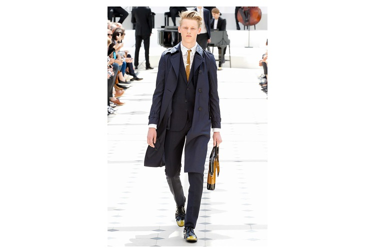 Burberry Prorsum Presented in London Its Collection for The Spring-Summer 2014
