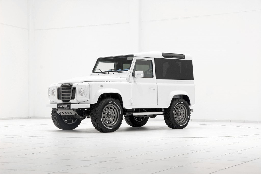 STARTECH Personalizes the Classic Land Rover Defender