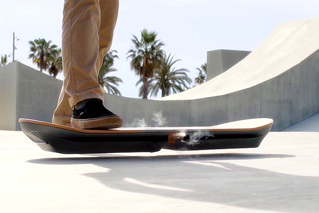 lexus-unveils-its-slide-hoverboard-1