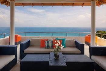 stay-in-this-arte-charpentier-designed-villa-overlooking-the-andaman-sea-6