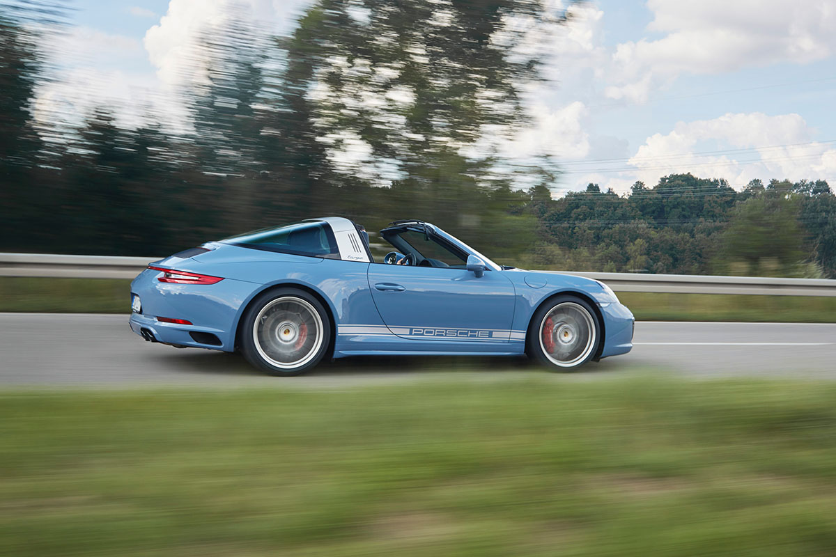 porsche-911-targa-4s-design-edition-2016-etna-blue-2