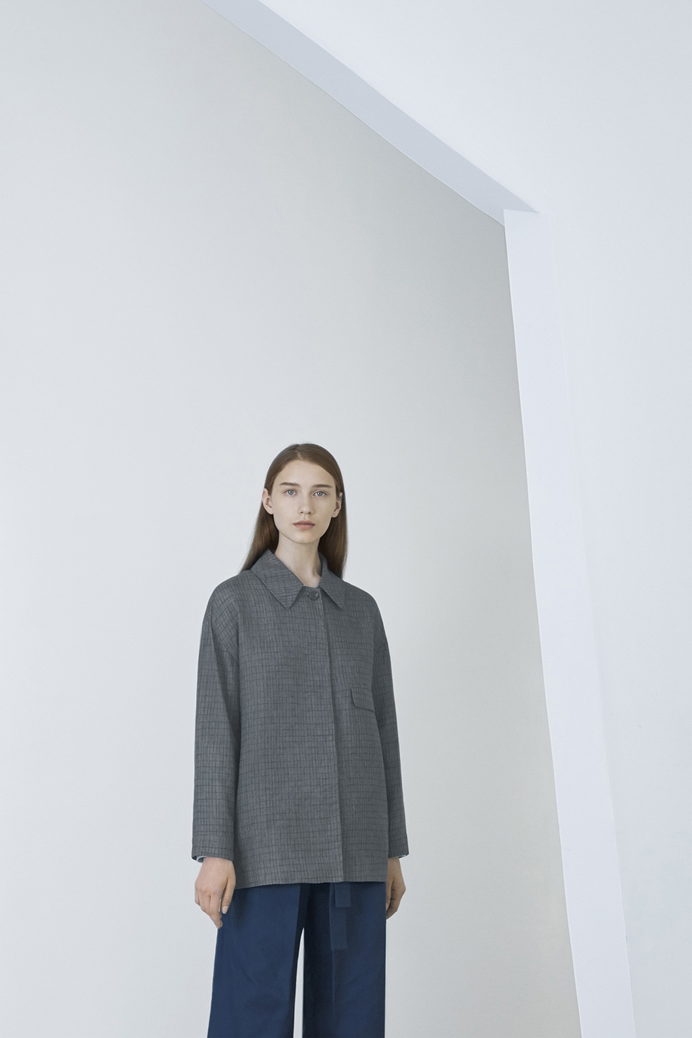cos-agnes-martin-guggenheim-fw2016-lookbook-mens-womens-11