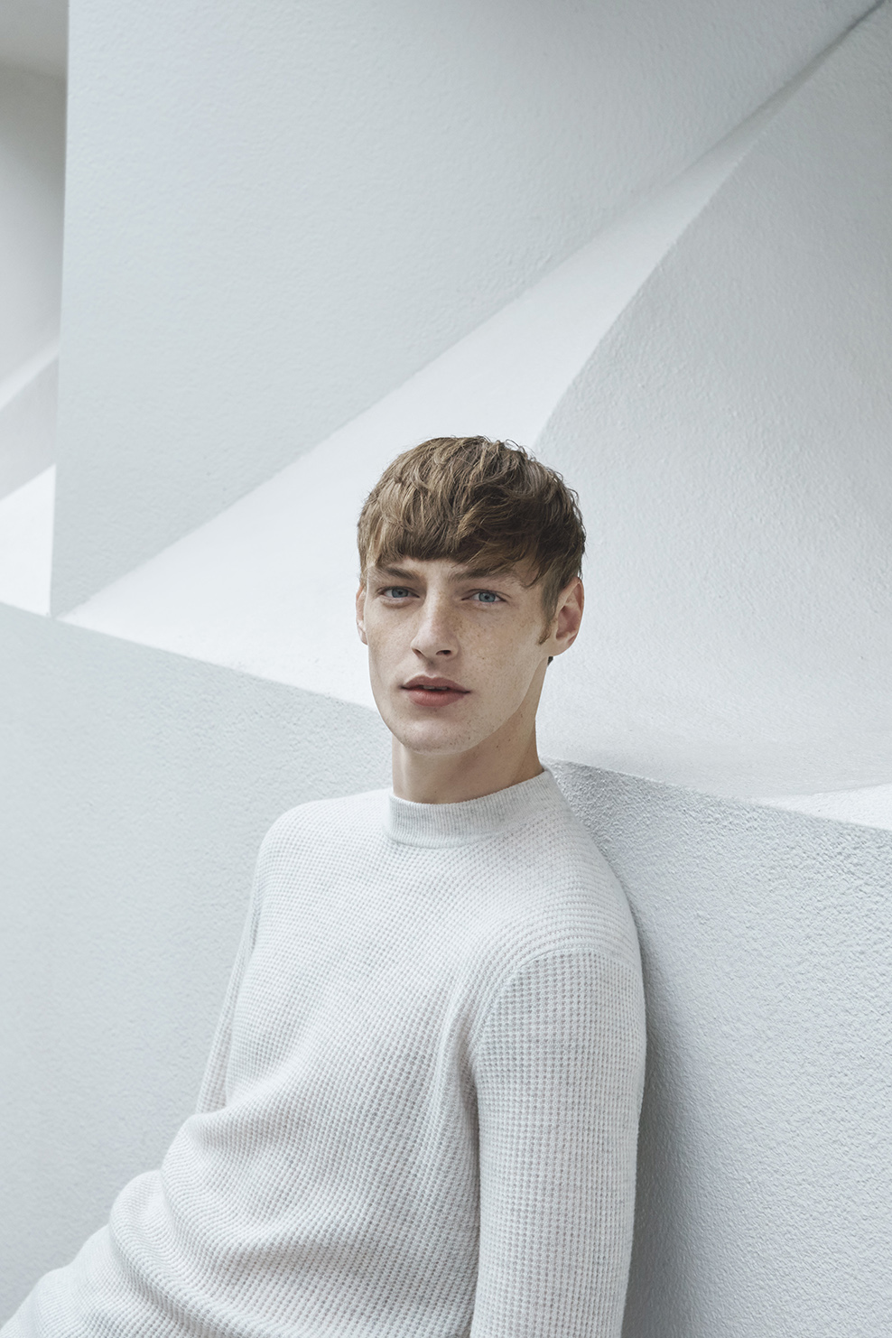 cos-agnes-martin-guggenheim-fw2016-lookbook-mens-womens-3