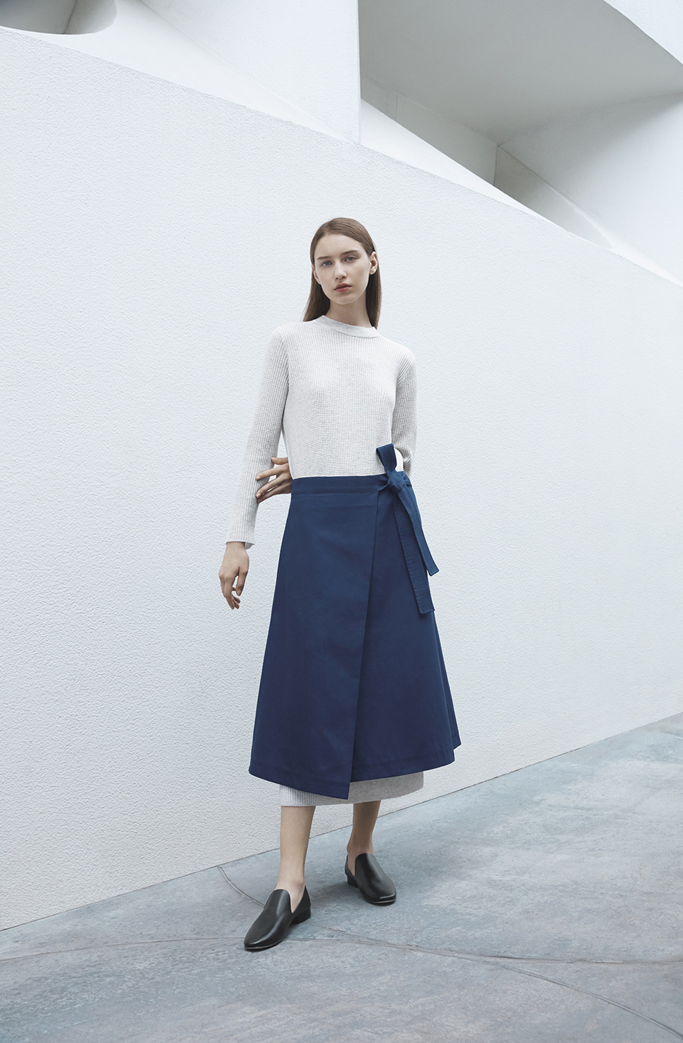 cos-agnes-martin-guggenheim-fw2016-lookbook-mens-womens-7