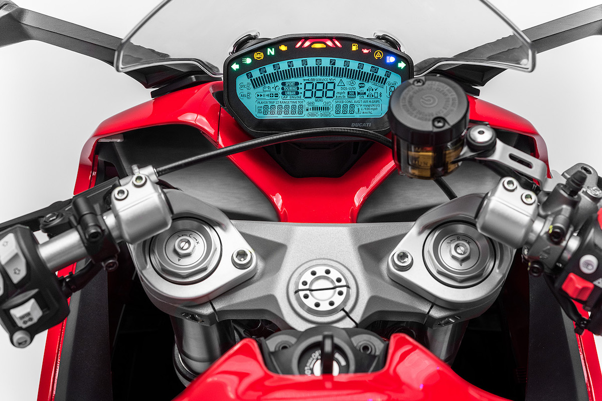 ducati-supersports-12