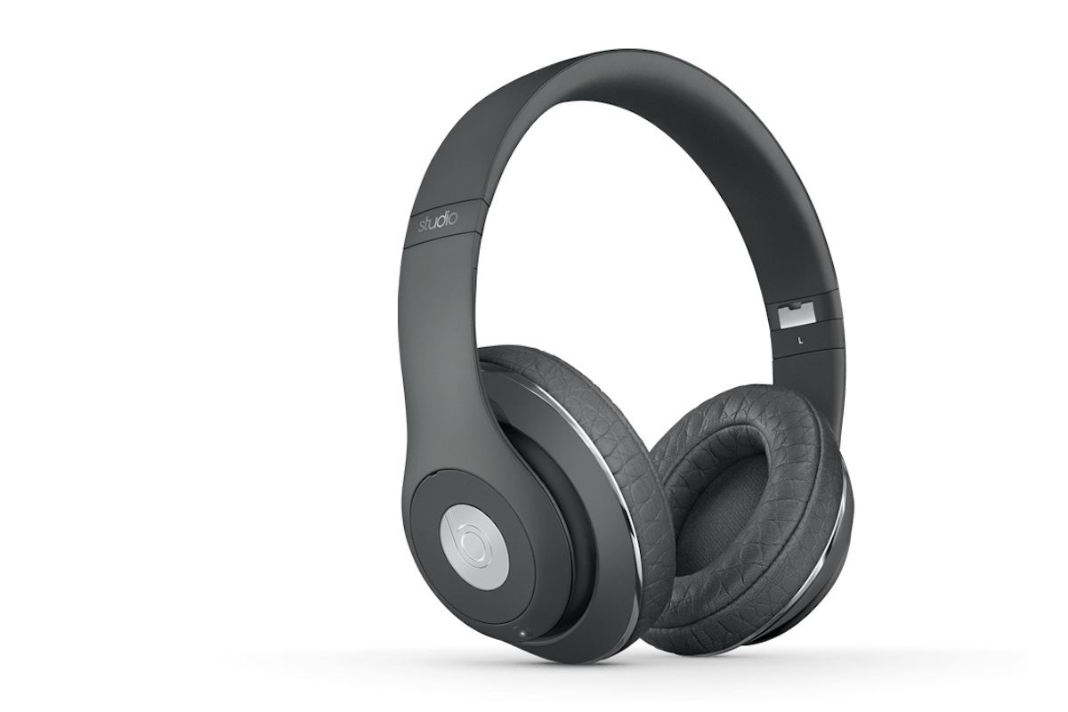beats-alexander-wang-studio-wireless-headphones-01