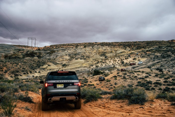 land-rover-discovery-2018-amangiri-global-14