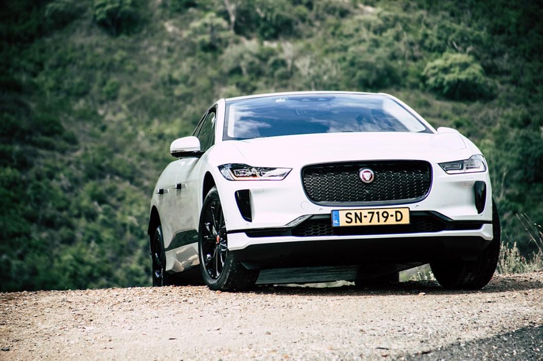 2019-jaguar-i-pace-electric-suv-phev-portugal-15