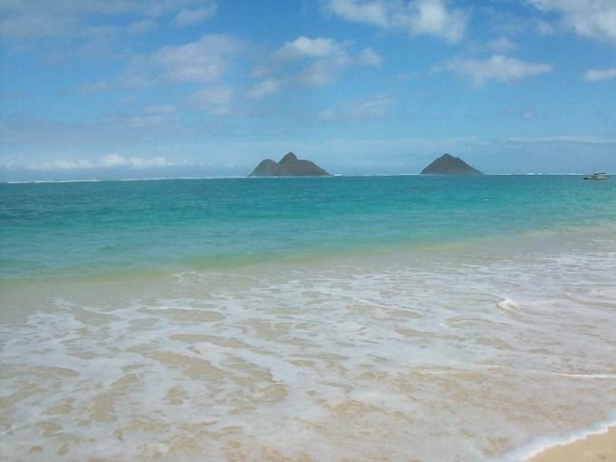 The view from Lanikai beach looking towards islands Moko Nui and Moko Iki.