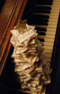 piano christmas tree