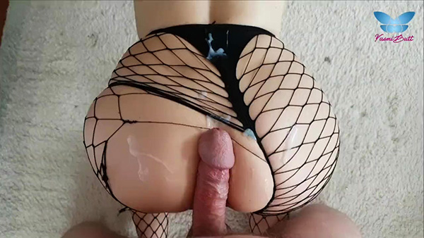[Pornhub] Yasmibutt – POV Fishnets Fuck with Big Cumshot all over her Ass and Butterfly Butthole Tattoo [720p]
