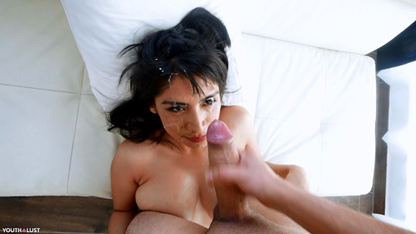 [ManyVids – YouthLust] Naomi – Naomi craves for Cum in her first Porn [720p HEVC x265]