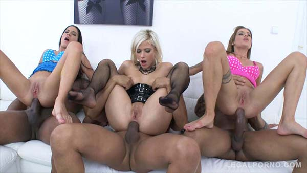 [LegalPorno] Eveline Dellai & Silvia Dellai Twins Assfucked Together With Ria Sunn By Three Black Cocks – SZ1053 [720p]