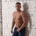 DennyDream – The gay webcam model that could put you in a knot.
