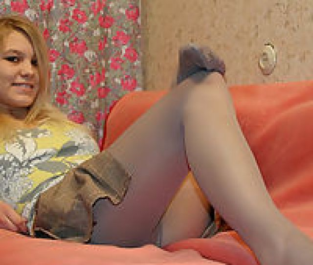 Pantyhose Teen Girl Enjoys Getting Her Pussy Pantyhosed