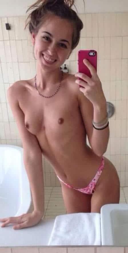riley reid snapchat bathroom selfie