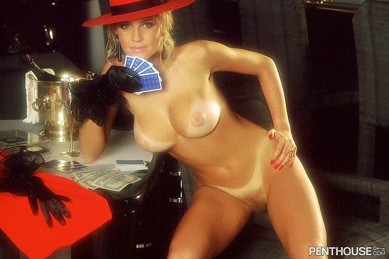 Lisa Aiton posing nude for the August 1988 issue of Penthouse
