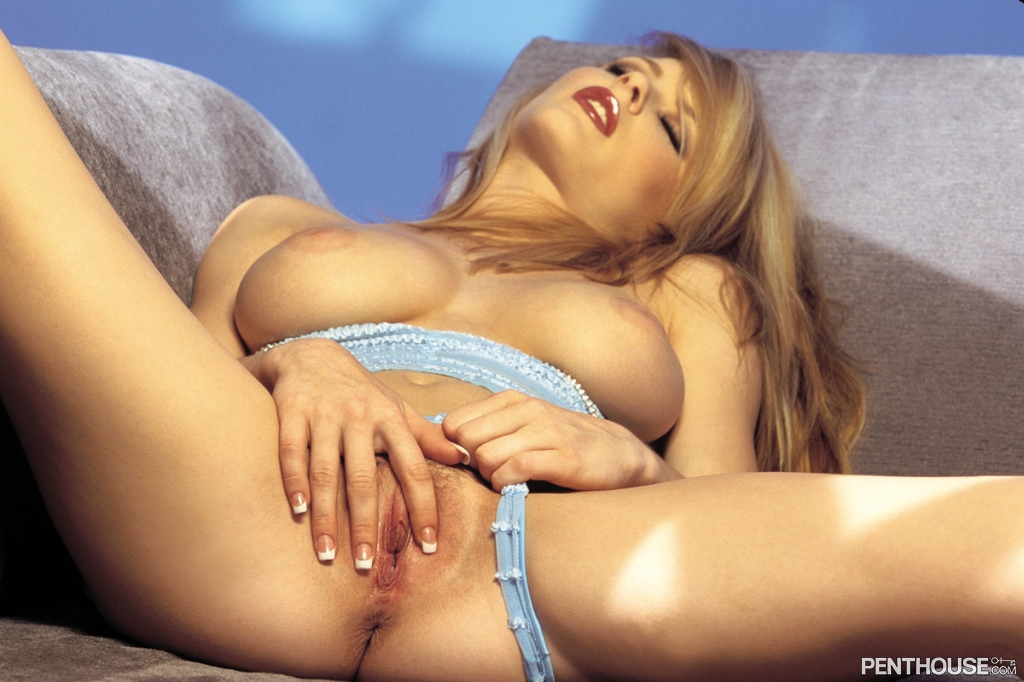 Chantelle Fontain nude in her September 2003 Penthouse Pet Of The Month photo spread 004