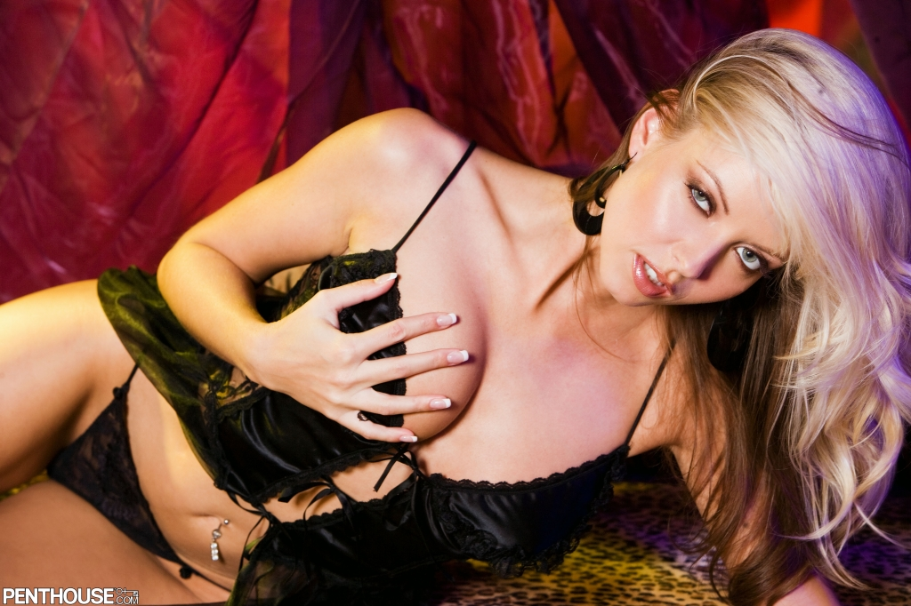 Jana Cova nude in her April 2003 Penthouse Pet Of The Month photo spread 002
