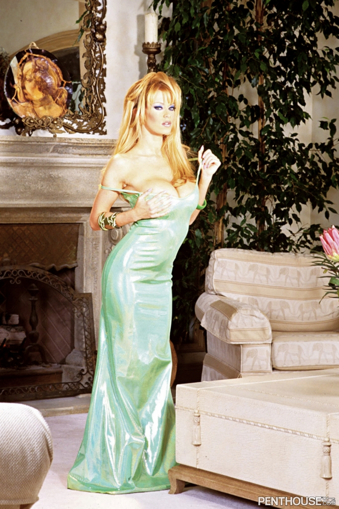 Jenna Jameson nude in her January 2004 Penthouse Pet Of The Month photo spread 001