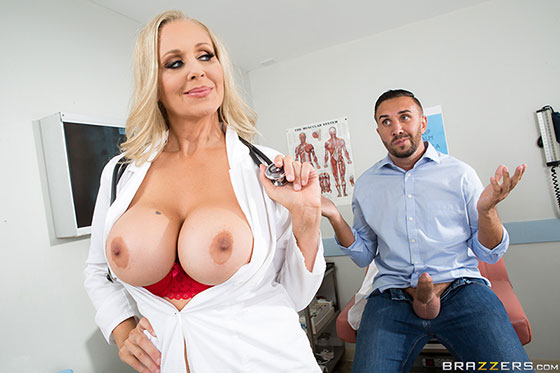 Julia Ann (Doctoring The Results / 07.08.2017)
