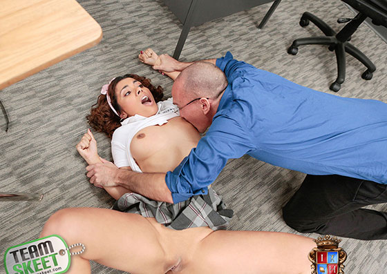 Maya Morena (Cheater Gets Punished By Penile Code / 10.16.2017)