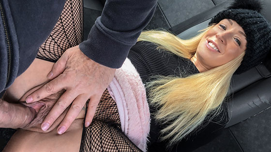 Amber Deen (Hot blonde loves to give rimjobs / 04.25.2018)