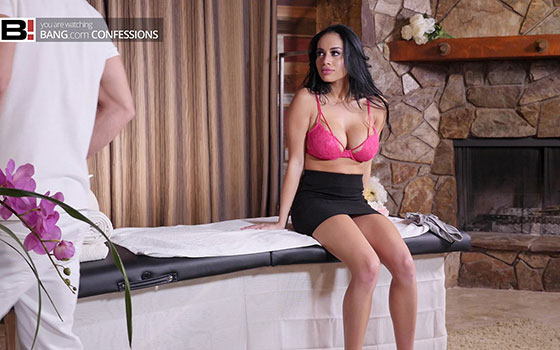 Gets Her Pussy Massaged With Cock On An Island Vacation with Victoria June