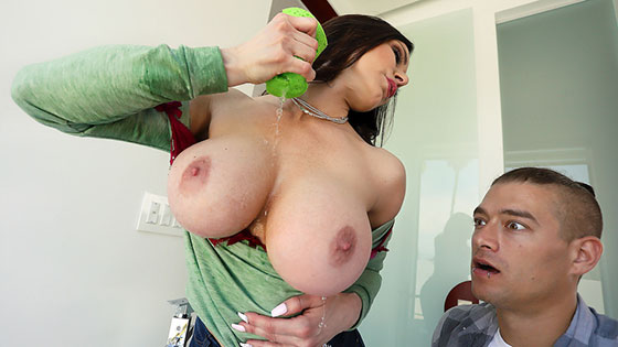 Rub A Tug Tug with Kendra Lust