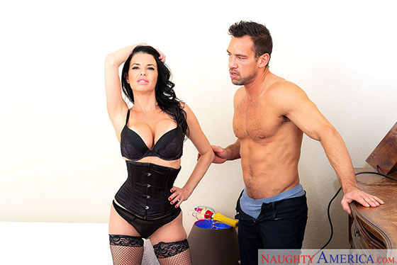 24215 with Veronica Avluv