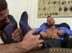 Vídeo amador com podólatra gay.