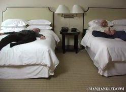 Coroas gays transando ao acordar