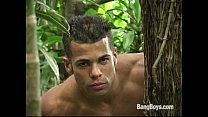 Gatinho brasileiro gay transando com o amigo
