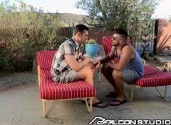 Gatinhos gays gravando video de sexo