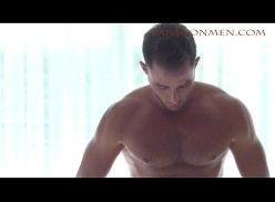 Video de homem sarado pelado nu