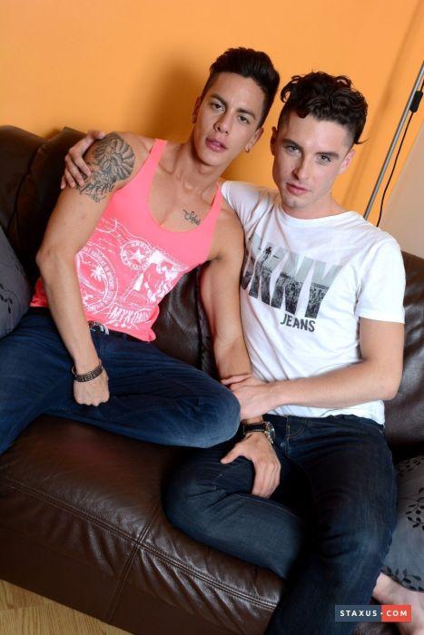 Fotos de namorados pelados e transando caiu na net
