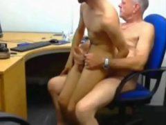 sexo con becario