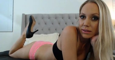 Kacey Villainess Webcam Show Picture