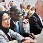Salaman dengan Paus Fransiskus, Foto Mahasiswi Muslim Asal Semarang ini Mendunia