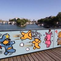 Le Pont des Arts : après les cadenas, le street art