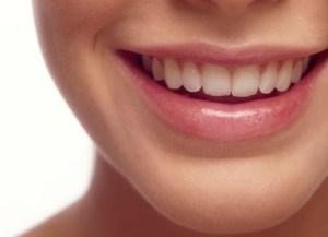 quitar-sarro-en-los-dientes
