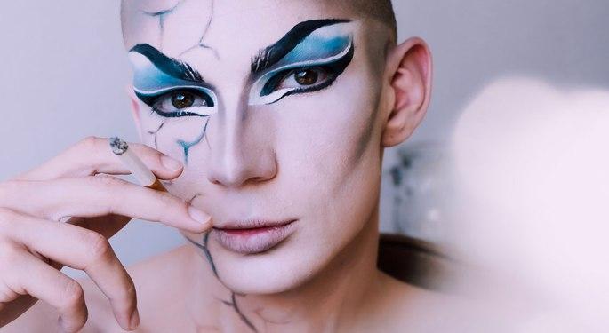 Man wearing make up