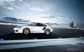 2011 Porsche 911 GT2 RS wallpaper Side view